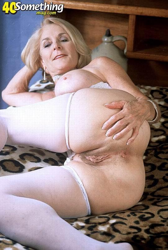 Зрелая женщина - Галерея № 2876301