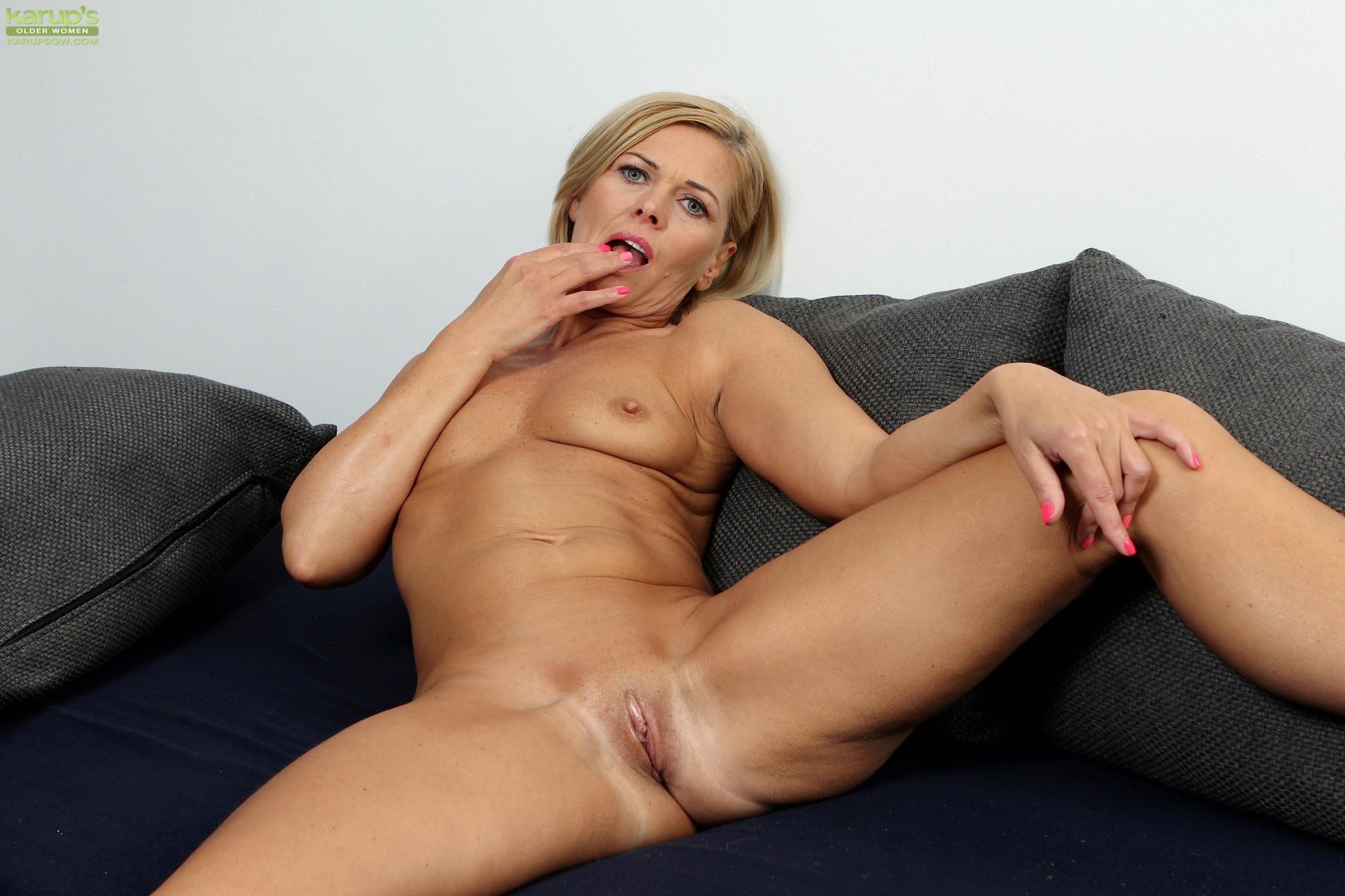 Oldnanny Blonde Matures Masturbate And Fingers
