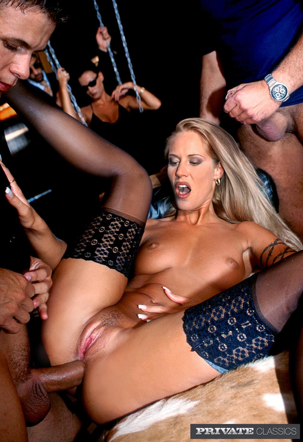 Cassandra Wilde Pornstar Bio, Pics