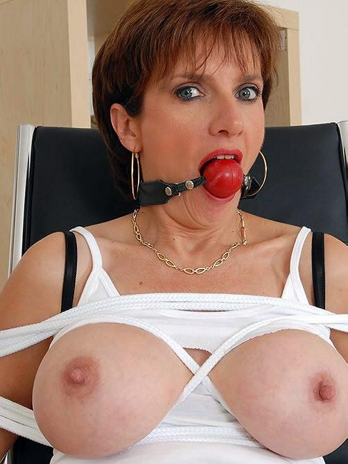 Lady sonia milf in bondage