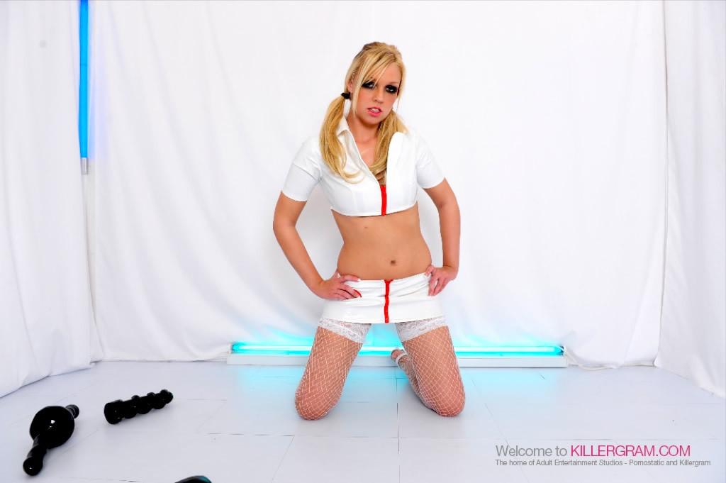 Ебливая медсестра Скарлет