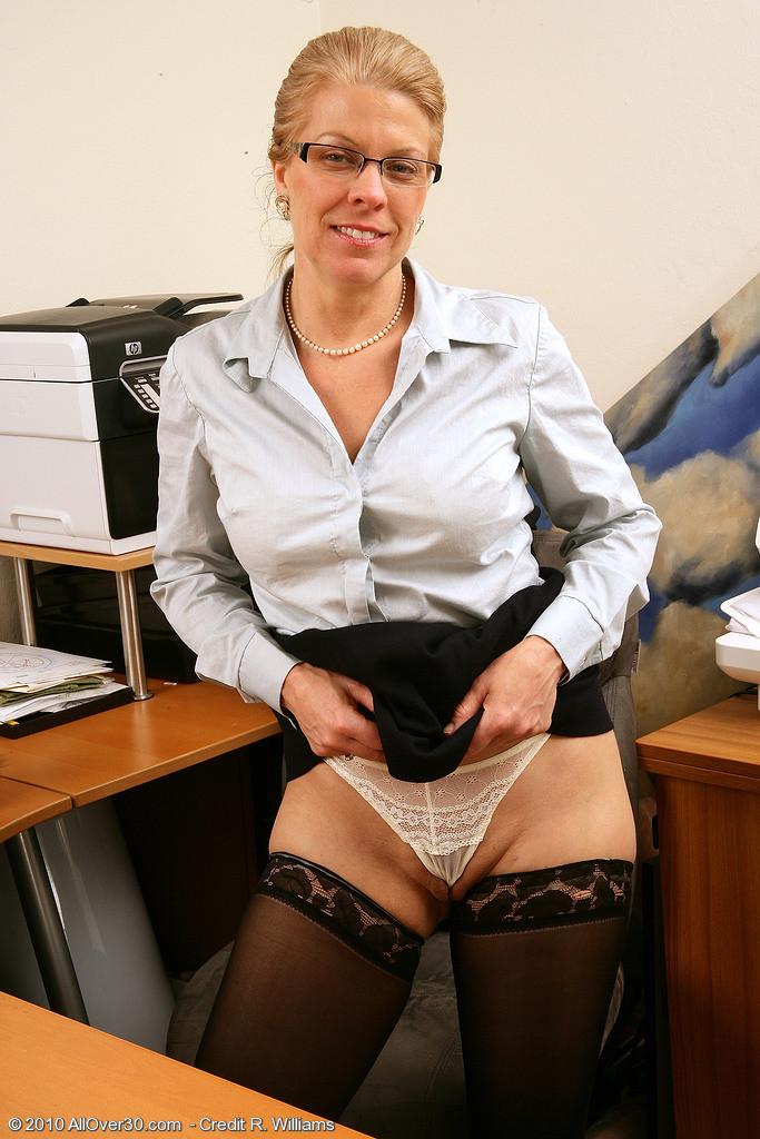 В офисе - Галерея № 3202516