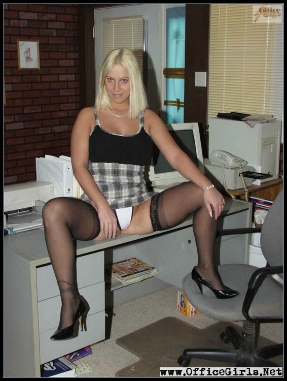 В офисе - Галерея № 2971921