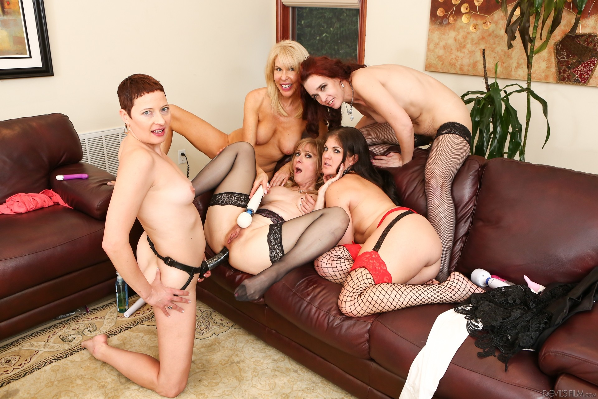 Dildo older orgy womantures