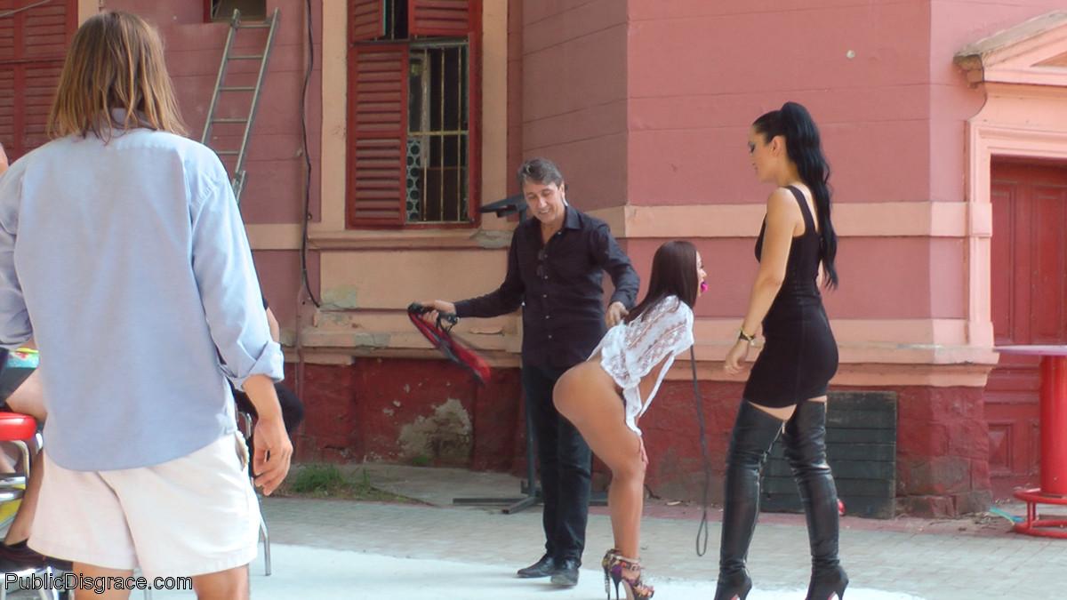 Nomi Melone, Steve Holmes, Fetish Liza - На улице - Галерея № 3521321