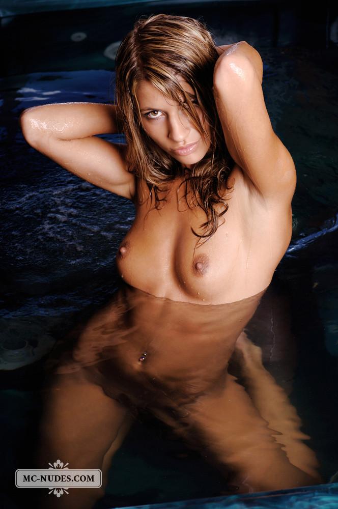 В бассейне - Галерея № 3498317