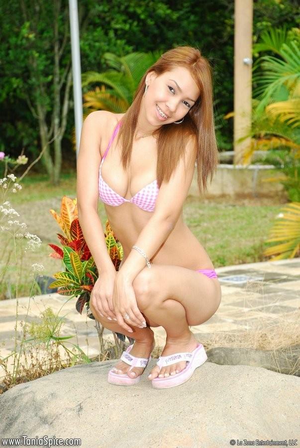 Tania Spice - В бассейне - Галерея № 2721768