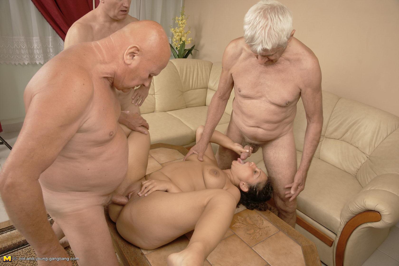Порно русское муж смотрит старые