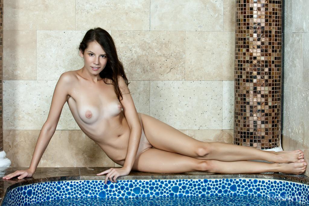 В бассейне - Галерея № 3371359