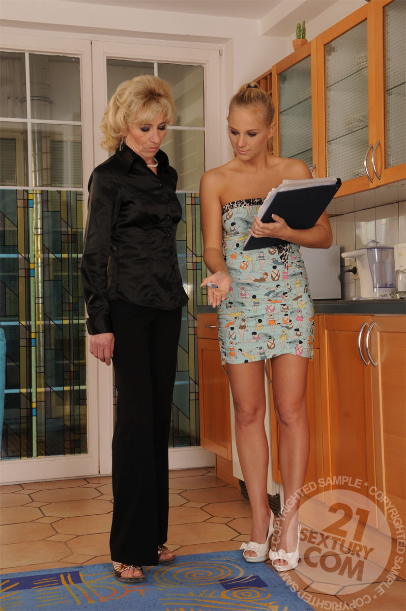 Barbie White, Margarette - Лижут жопу (римминг) - Галерея № 2905358
