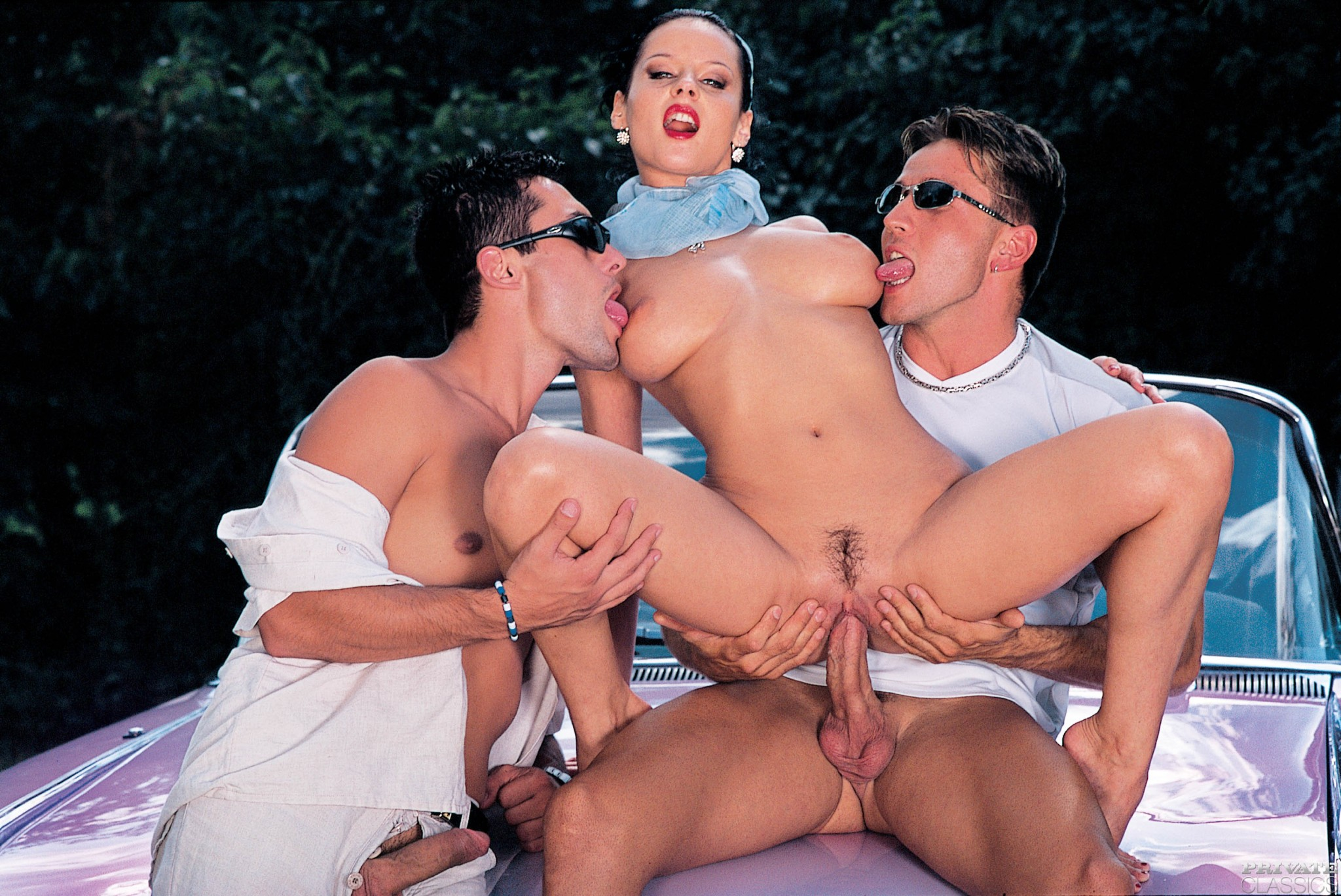 Isabella kelly wild school girls bang in class sex photo