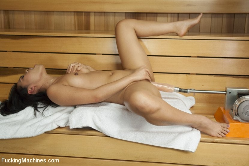 Mycuteasians chinese naked wife shows her pussy in sauna