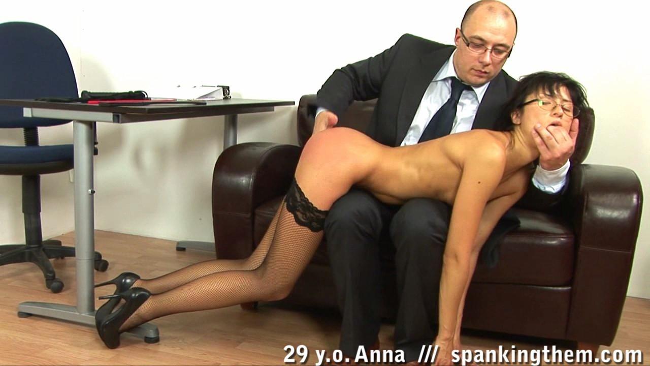 Секретарша Анна и строгий босс