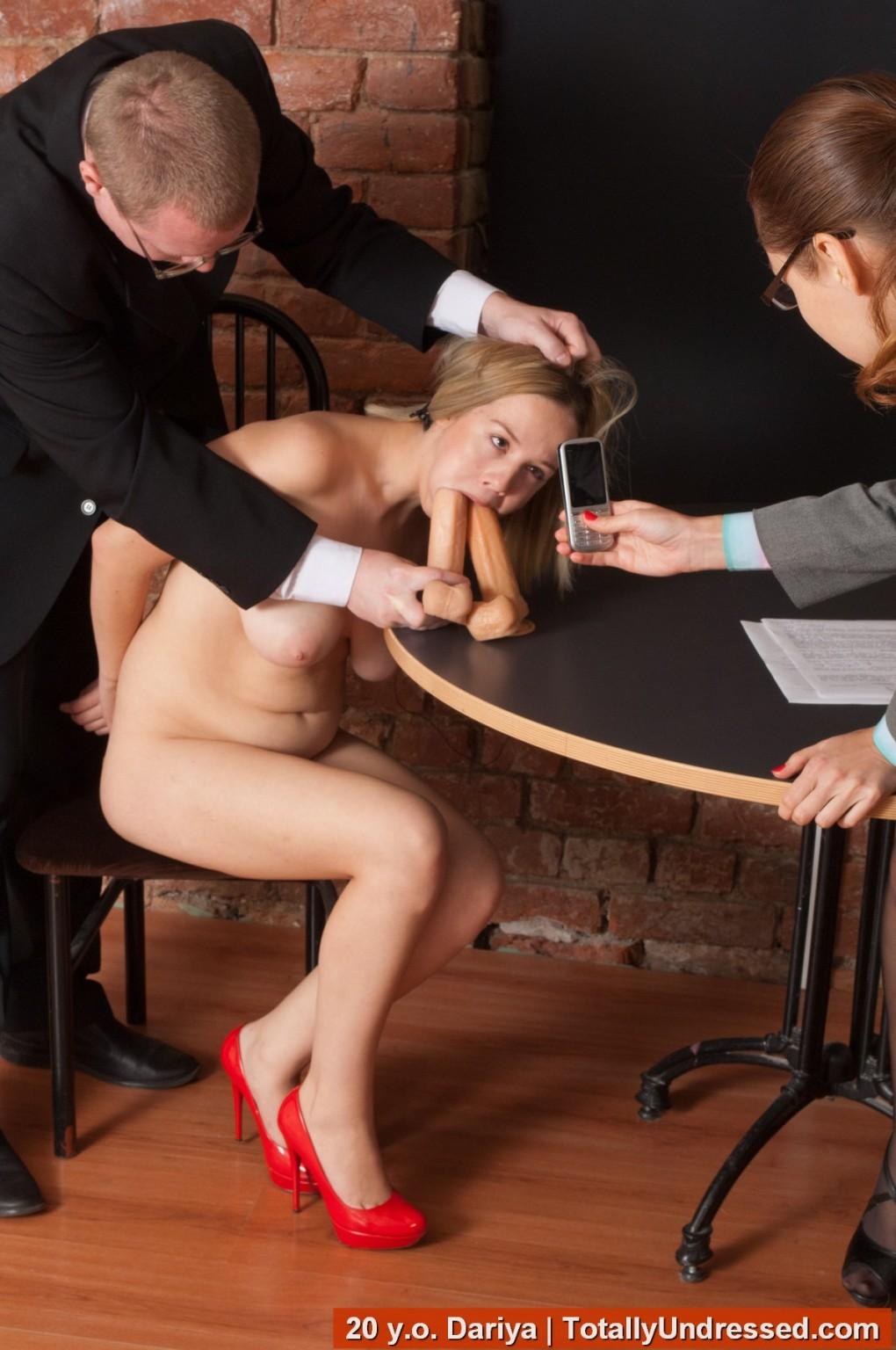 Порно Унизил Секретаршу