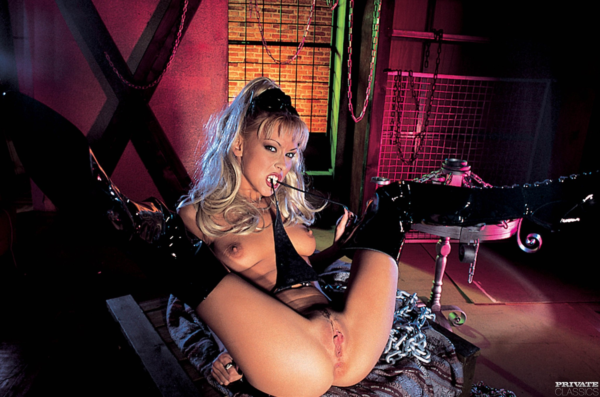 Privateclassics nikky blond amanda nikky blonde girls pornstars titts exposed yes porn pics xxx