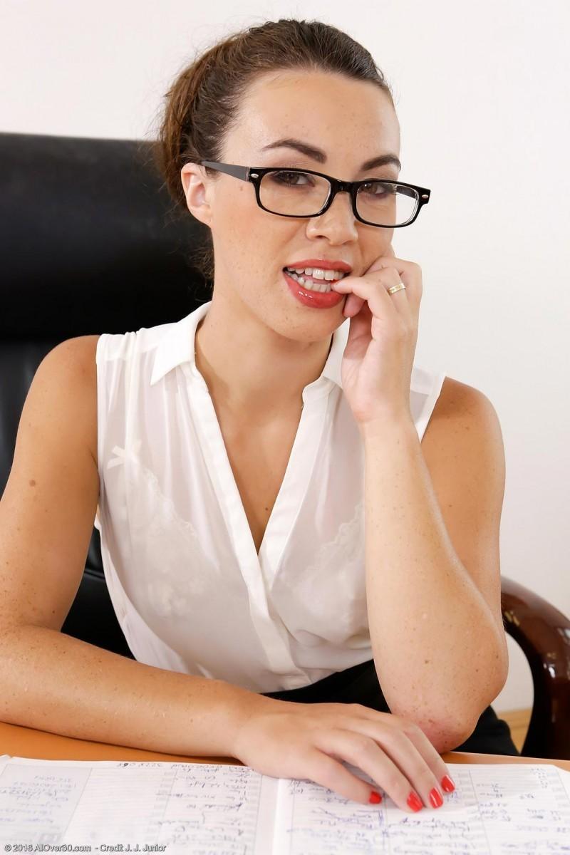 Tiffany Doll - Секретарша - Галерея № 3566774