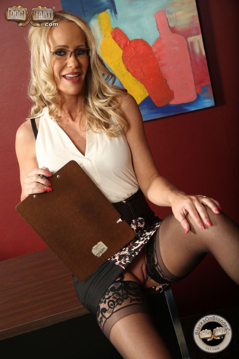 Simone Sonay - Секретарша - Галерея № 3416741