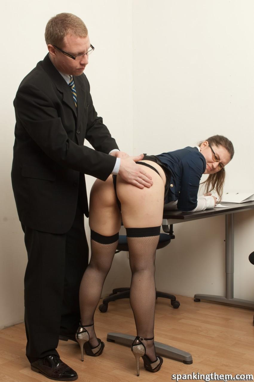 Смотреть Порно Наказал Секретаршу