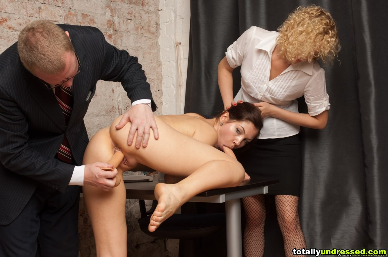 Унижение Секретарши Порно Видео