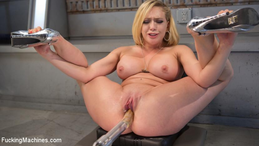 Kagney Linn Karter - Сквирт (струйный оргазм) - Галерея № 3532471
