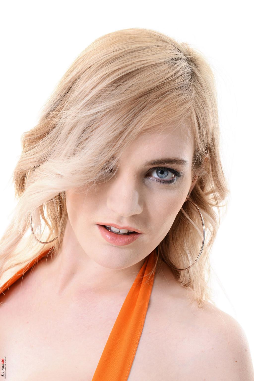 Carly Rae Summers - Соло - Галерея № 3547526