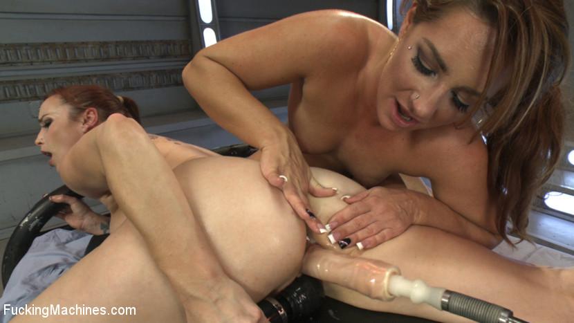 Bella Rossi, Savannah Fox - Сквирт (струйный оргазм) - Галерея № 3404753
