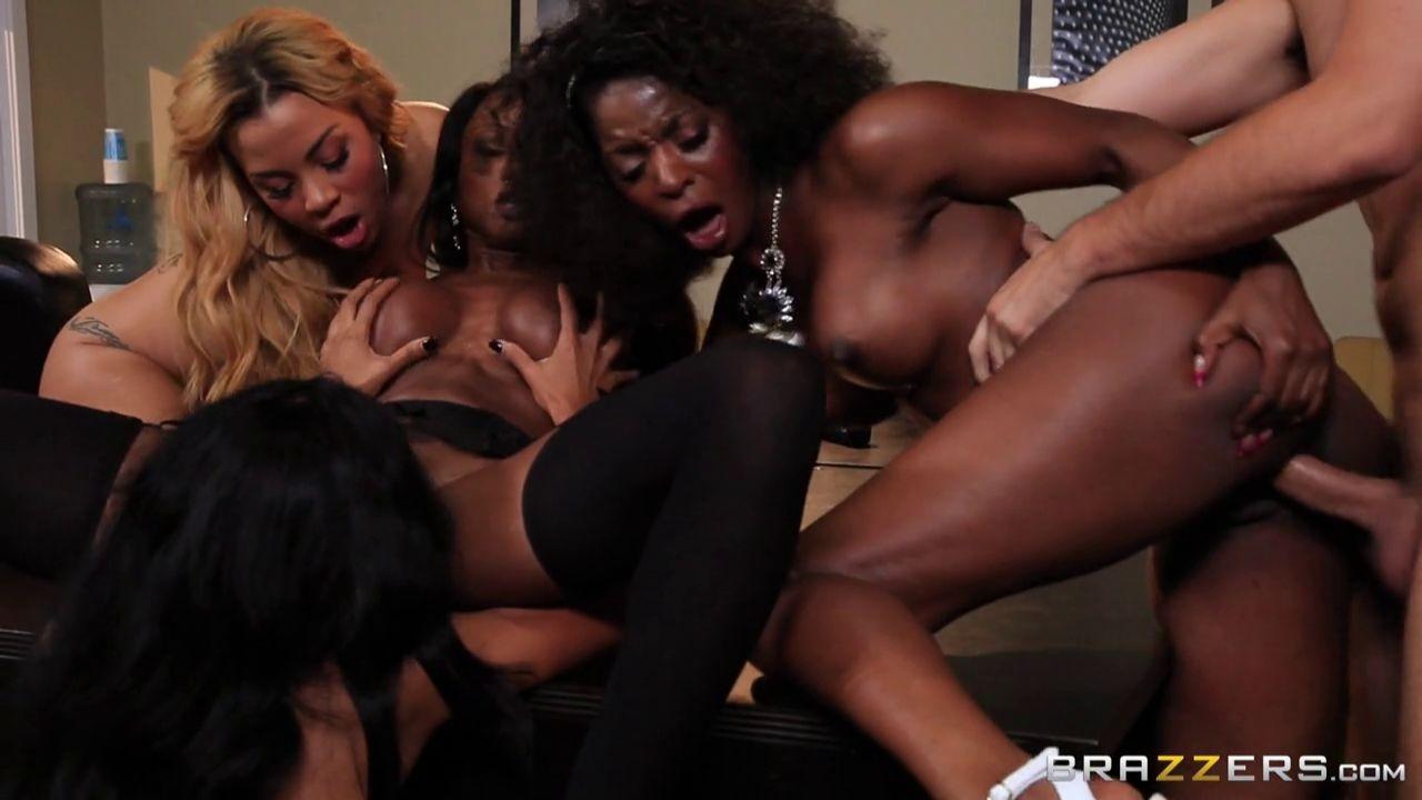Anya Ivy, Diamond Jackson, Jasmine Webb, Jade Aspen - Секретарша - Галерея № 3437534