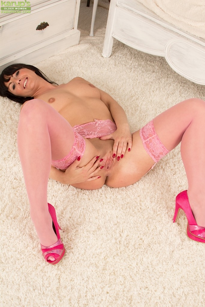 Roxanne Cox - В чулках - Галерея № 3469879