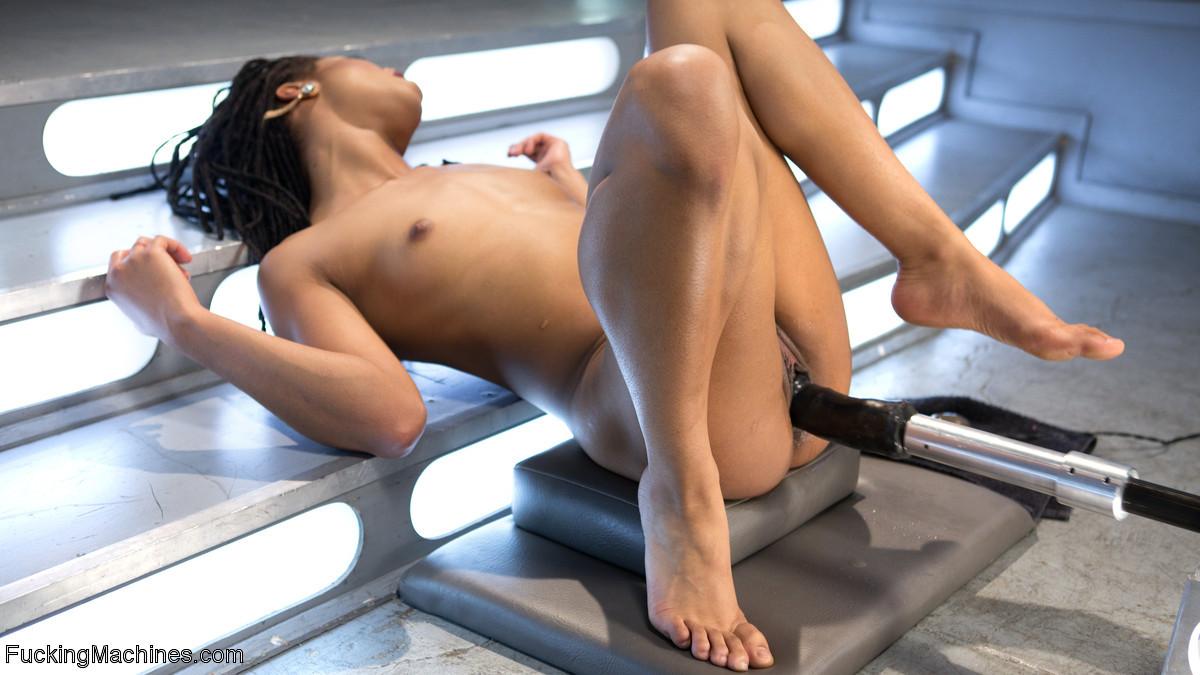 Kira Noir - Сквирт (струйный оргазм) - Галерея № 3528946