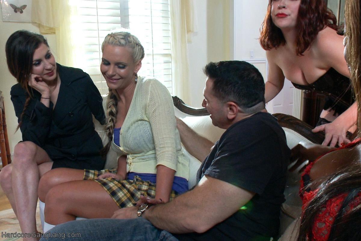 John Strong, Phoenix Marie, Toni Ribas, Karlo Karrera - Сквирт (струйный оргазм) - Галерея № 3418559