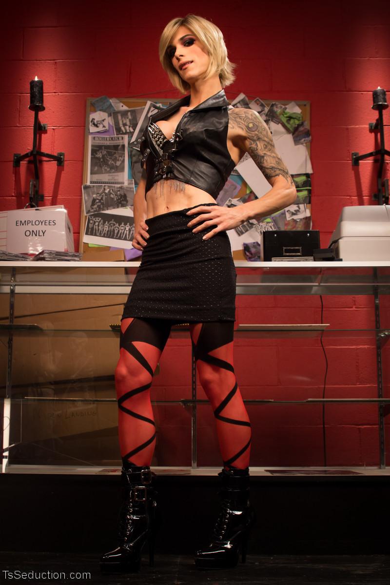 Nina Lawless, Corbin Dallas - Худые - Галерея № 3478204