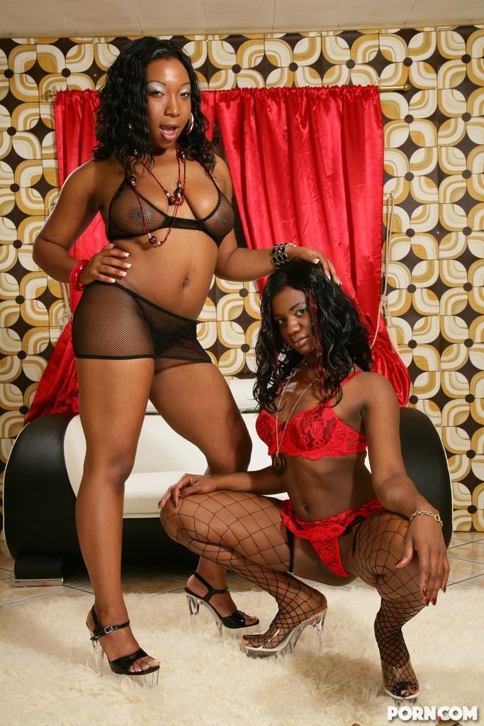 Cocoa Damone, Tiffany Stacks - В чулках - Галерея № 2794603