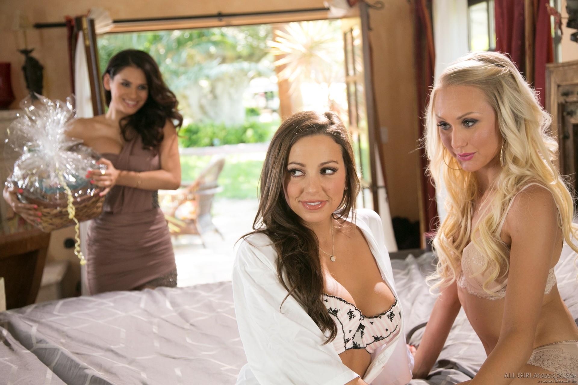 Vanessa Veracruz, Natasha Voya, Abigail Mac - Секс втроем - Галерея № 3519306