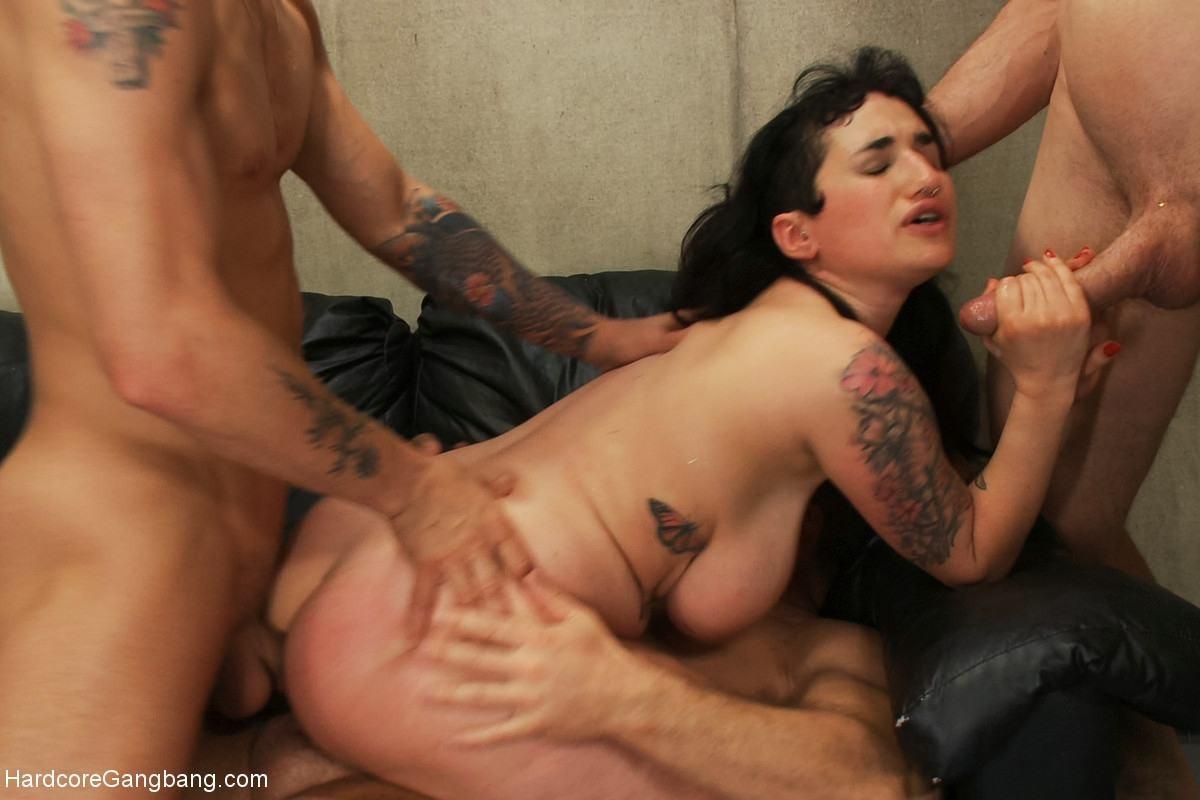 Порно с Arabelle Raphael - скачать видео на телефон