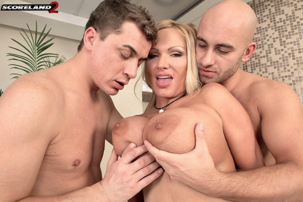 Sharon Pink - Секс втроем - Галерея № 3467122
