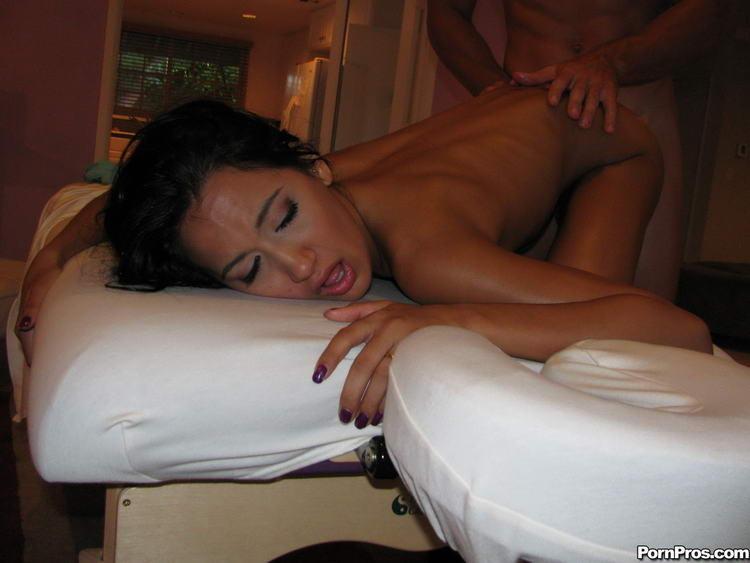 Amia Miley - Молодежное - Галерея № 2604476