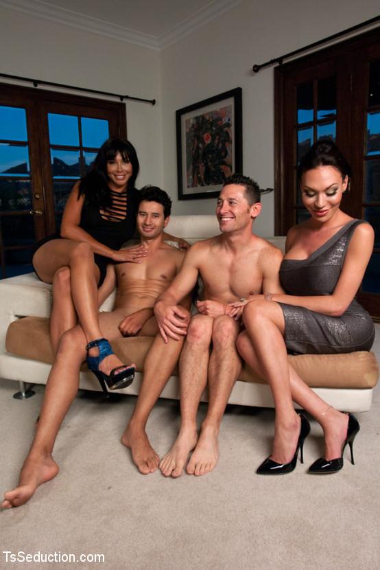 Mia Isabella, Cherry Torn, Gabriel Dalessandro, Ari Silvio, Vaniity - Транссексуал - Галерея № 3322468