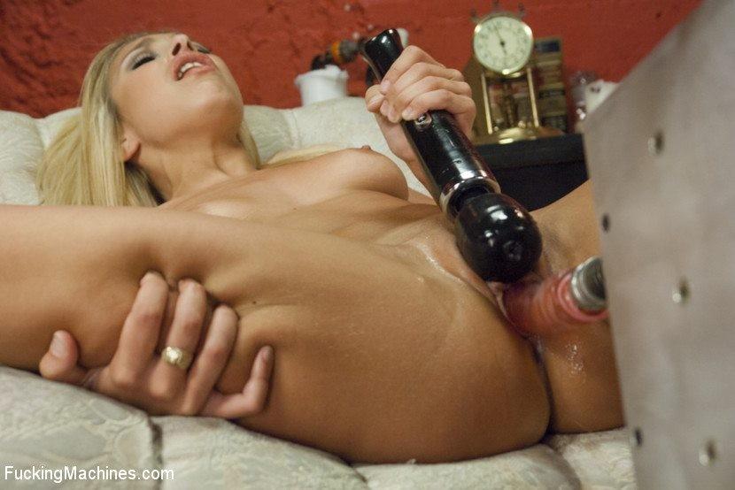 Carmen Caliente - Секс игрушки - Галерея № 3427780