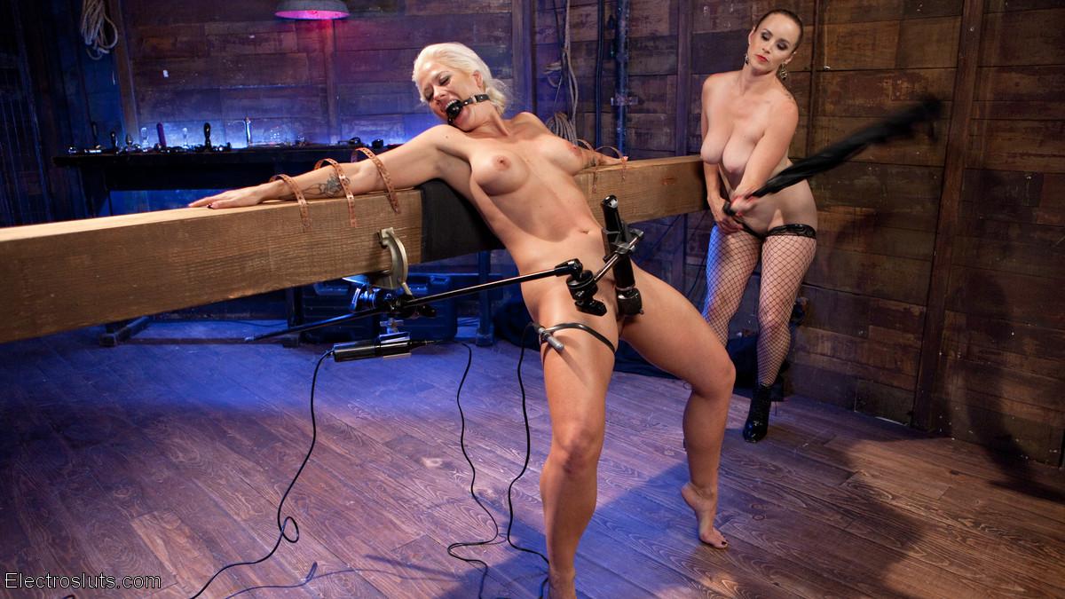 Bella Rossi, Holly Heart - Секс игрушки - Галерея № 3490188