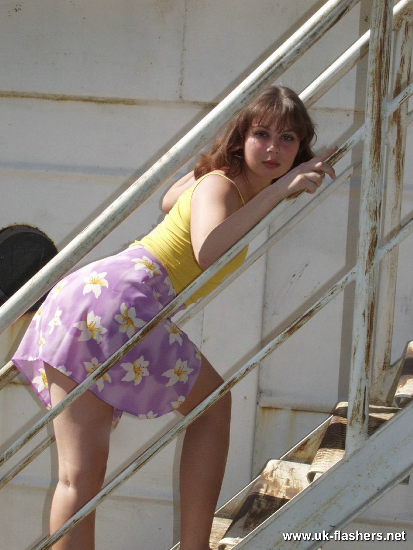 Clara - Под юбкой - Галерея № 3519177
