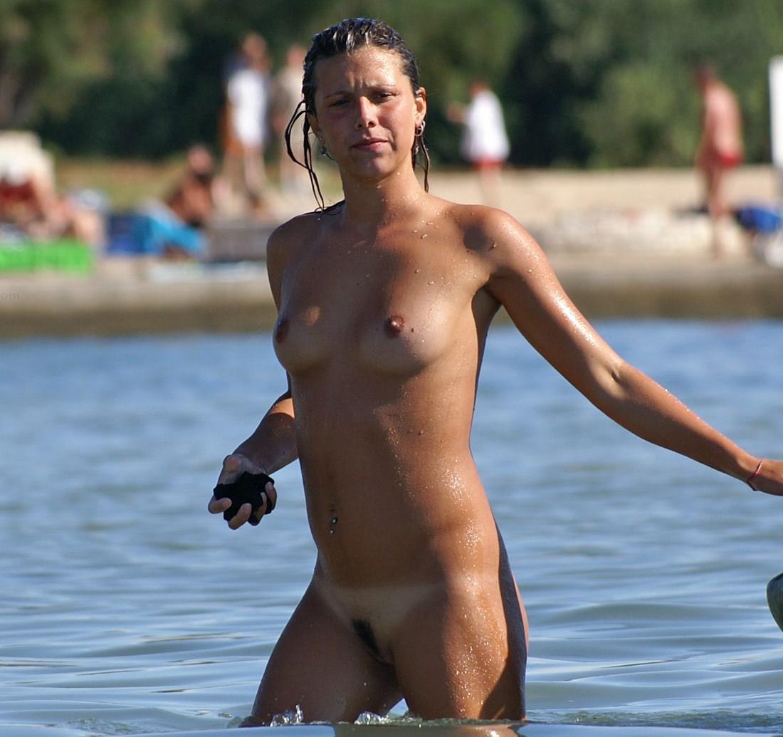 Hedo nude photos