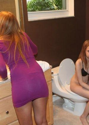 В ванной - Галерея № 3382534