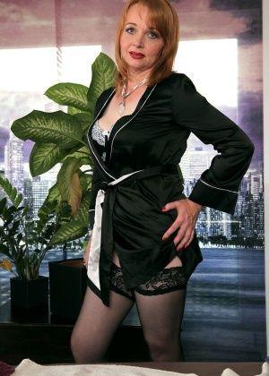 Elisabeth Kardon - Большие сиськи - Галерея № 3627525