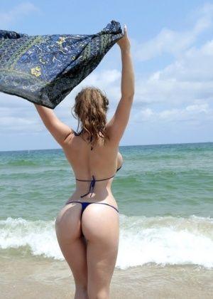 Lena Paul - На пляже - Галерея № 3535761