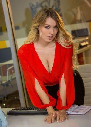 Natalia Starr - С боссом - Галерея № 3542505