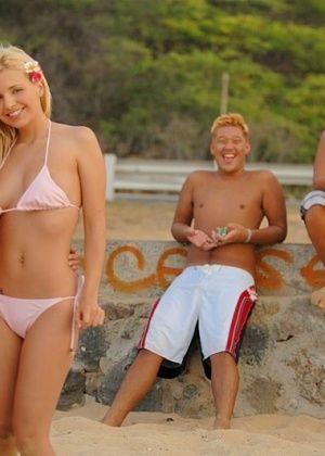 Sandy Summers - На пляже - Галерея № 1778021
