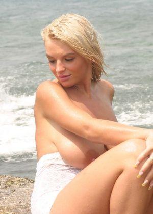 Ines Cudna - На пляже - Галерея № 3501095
