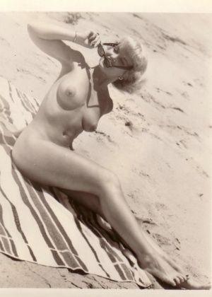 На пляже - Галерея № 3408430
