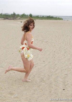 На пляже - Галерея № 3512098