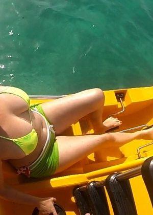 Britney Swallows - На пляже - Галерея № 3501788
